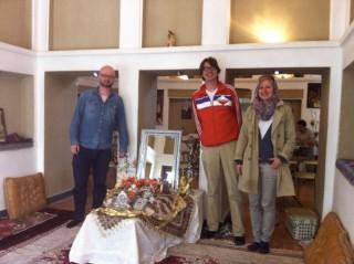 Bij de Haftseen in Kourosh hotel Yazd
