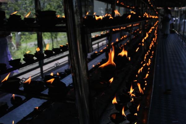 Kaarsen voor Buddha