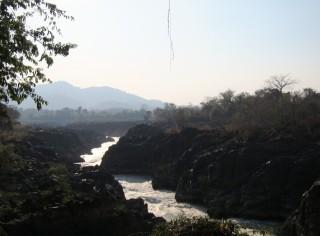 Rivier bij waterval