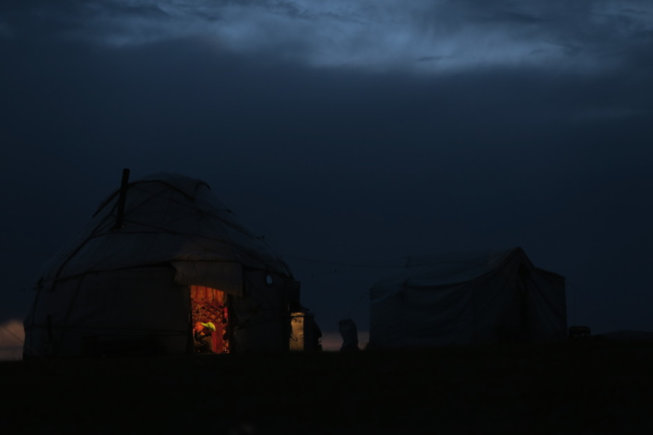Yurt Song Kol nacht